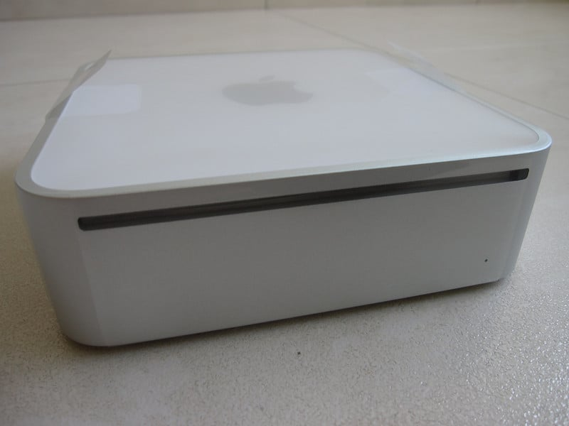 Unboxing Apple Mac Mini Late 2009