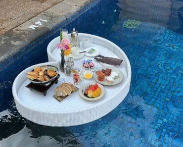Banyan Tree Bintan Floating Breakfast